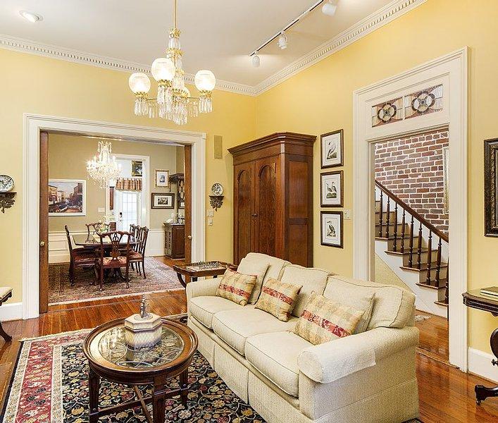Exquisite Home in Landmark Historic Dist.-VRBO Premier Partner- Read our reviews, vacation rental in Savannah