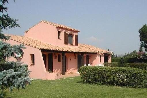 Villa privée Climatisée Sur Terrain Arboré, Piscine Privée avec grande terrasse, vakantiewoning in Saint-Andre-de-Roquelongue
