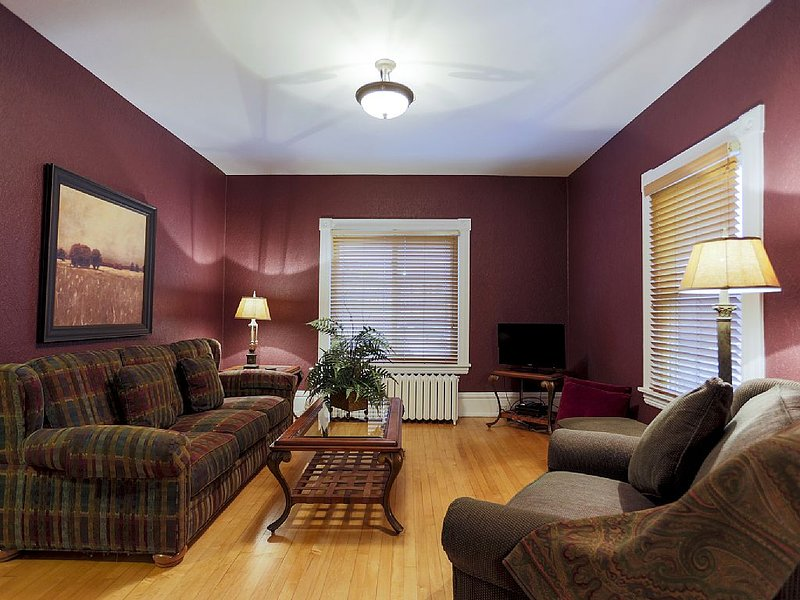 Marquette Midtown Manor, holiday rental in Ishpeming