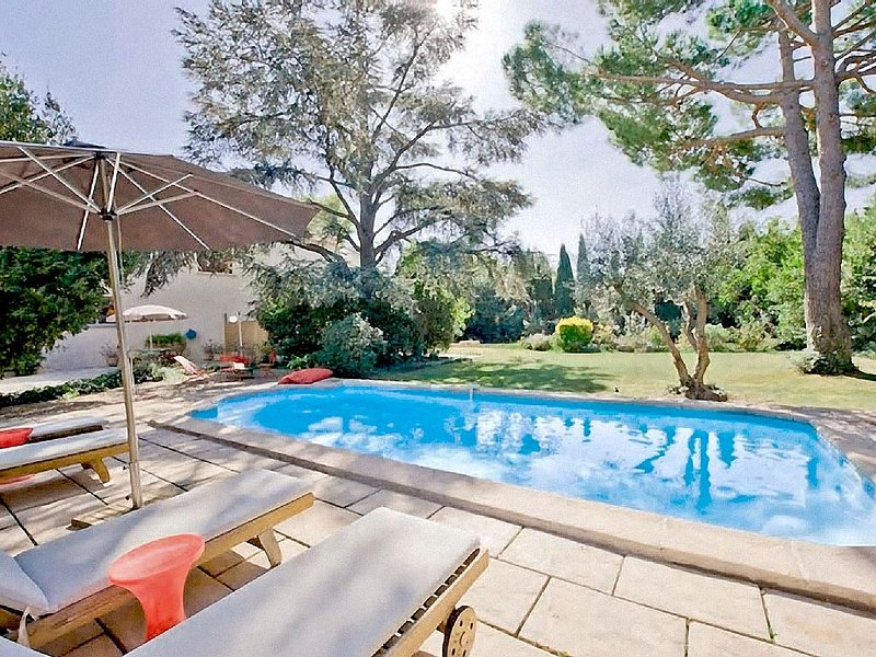 maison 6 pers- grand confort- Piscine CHAUFFEE    - mer 9kms -  Canal midi 900m, vacation rental in Villeneuve les Beziers