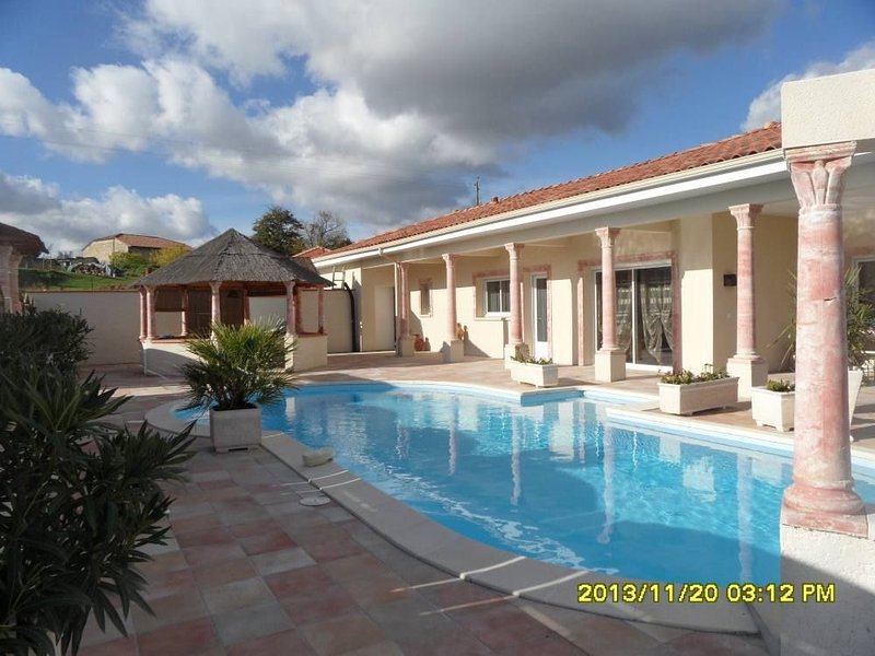 Locations Saisonniéres, holiday rental in Frechou