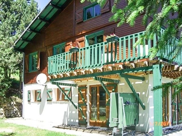 Large apartment T4 down cottage, renovated in 2011, holiday rental in Mont-Louis