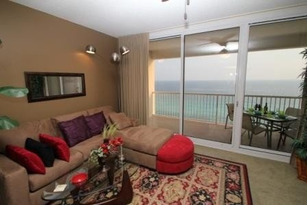STUNNING OCEANFRONT! ~ PRICES LOWERED! ~ FREE BEACH CHAIRS!, alquiler de vacaciones en Panama City Beach