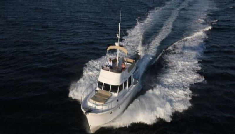 Charleston Yacht - 2012 Beneteau Swift Trawler 34, vacation rental in Charleston