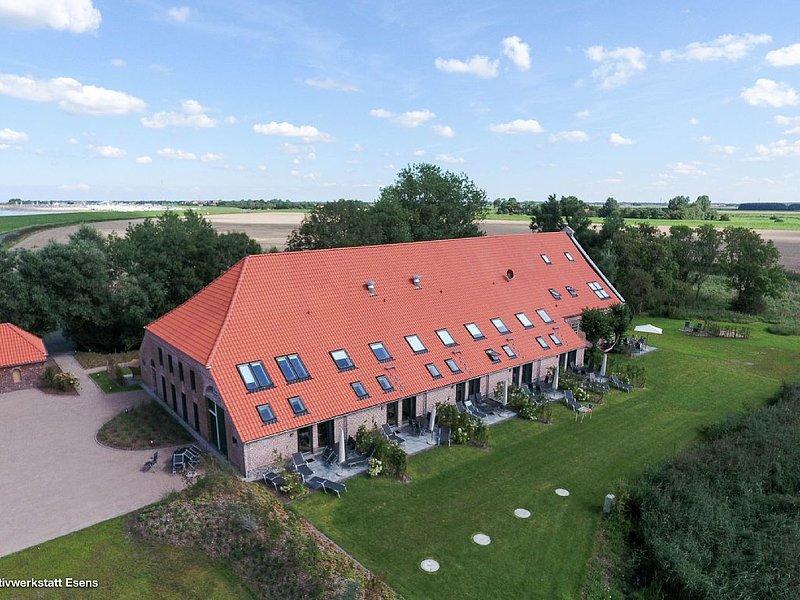Exklusive Ferienwohnungen im historischen Gulfhof polder72 | Wohnung 5 | Eger, holiday rental in Esens