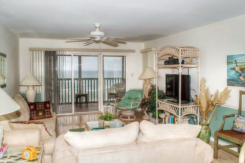 THIRD FLOOR WITH ELEVATOR, GREAT VIEWS, casa vacanza a Newport