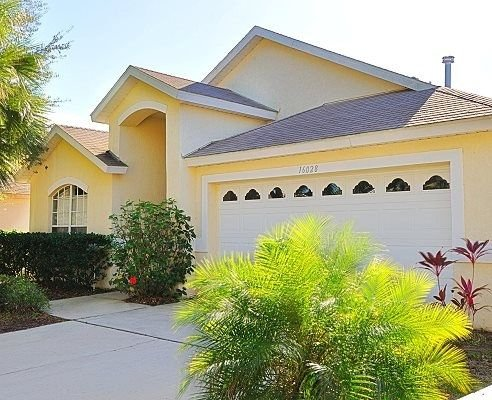 Private 5 Bedroom Villa Near Disney, free WI-FI 10% OFF LONG TERM RENTALS, vacation rental in Clermont