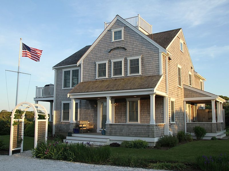 Quality, Privacy, Ocean Views Near Beaches and Sconset, aluguéis de temporada em Nantucket
