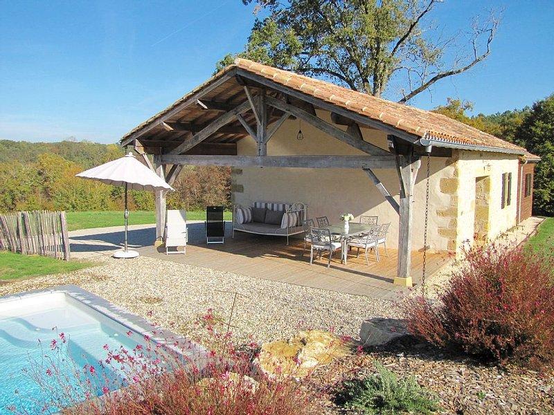 Maison individuelle en campagne avec piscine privative en Périgord à Monpazier, holiday rental in Capdrot