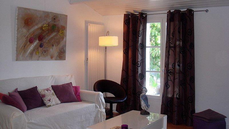 Proche plage et port, Appart. 2 chambres/mezzanine -  Piscine/PKG privés, location de vacances à Saint-Martin-de-Ré