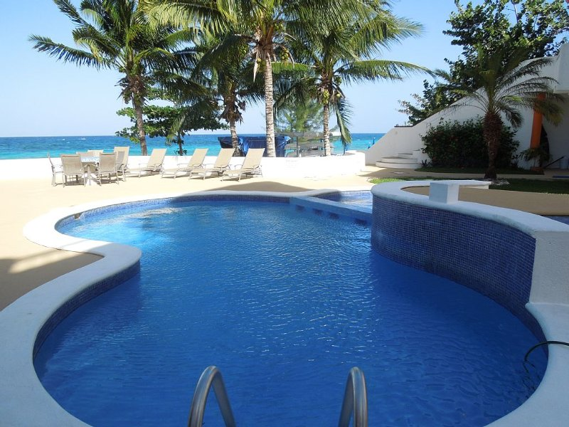 Fresh water pool right on the beach