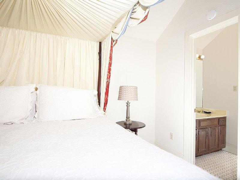 The Natchez Pearl - Elaine's Room, holiday rental in Natchez
