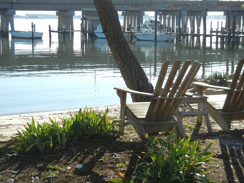 3 BEDROOM 2 BATH ON THE WATER, vacation rental in Smithfield