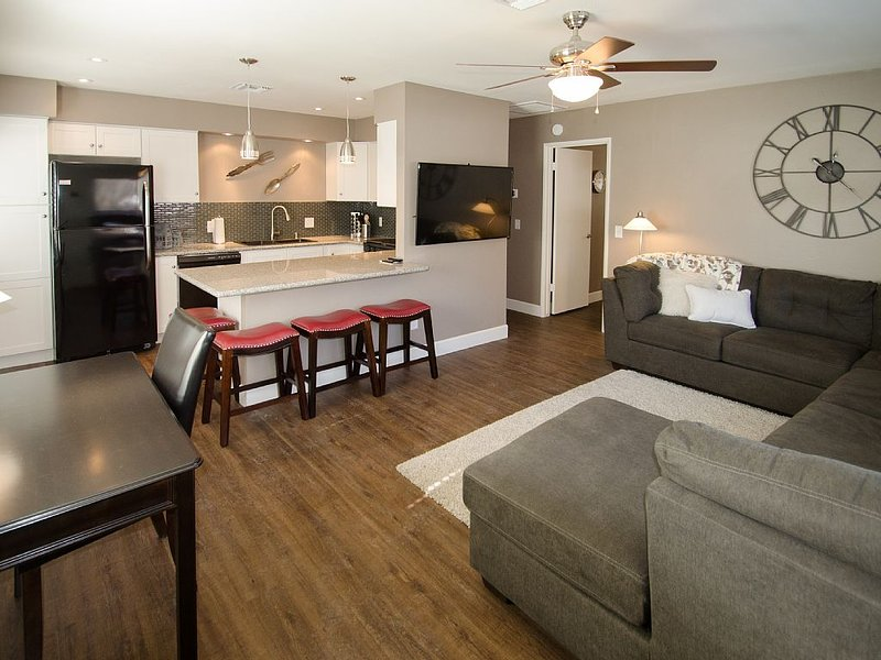 PRESCOTT GETAWAY 1 BR SUITE, HISTORIC DOWNTOWN PRESCOTT, SPECTACULAR REMODEL!!!, location de vacances à Prescott Valley