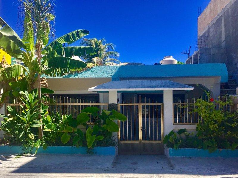 Casa Marlin , 2 bedroom w/private Pool, Caribbean view from Rooftop, alquiler de vacaciones en Playa Mujeres