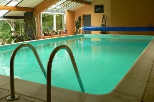 Au coeur de la bourgogne .2 piscines(intérieure et extérieure) sauna equitation., location de vacances à La Bussière-sur-Ouche