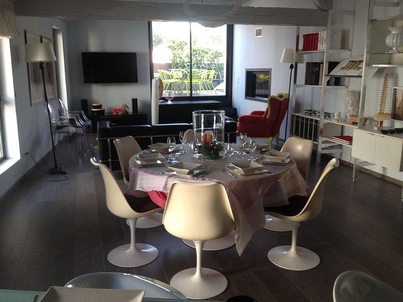 appartement de prestige dans centre historique situe au 3° etage avec ascenseur, location de vacances à Perpignan