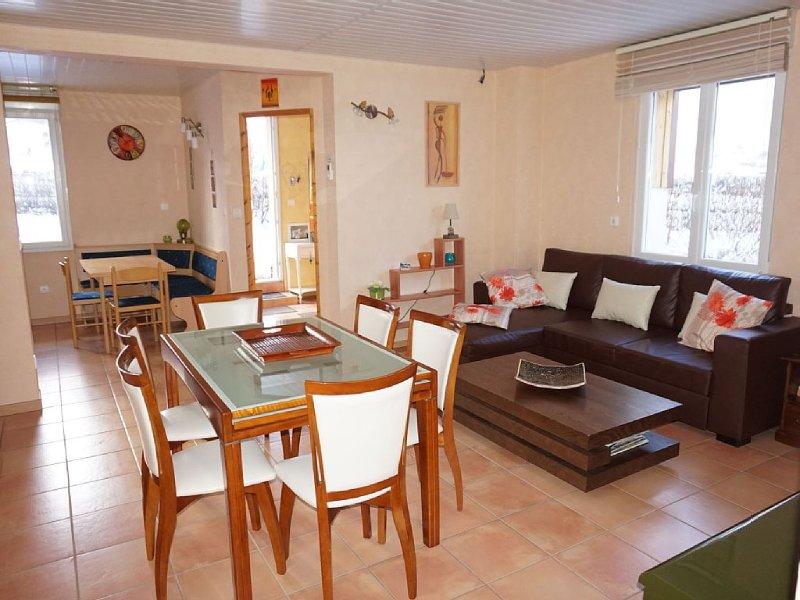 REZ DE JARDIN APPT TOUT CONFORT 3 ETOILES CENTRE VILLE CALME PROCHE LAC, vacation rental in Gerardmer