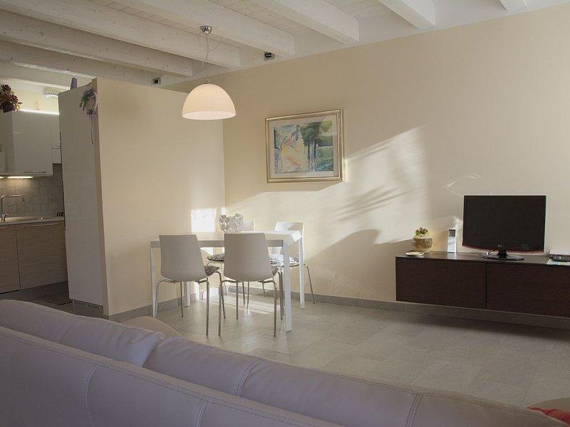 Family home in Garda  - LOCAZIONE TURISTICA M**********, holiday rental in Lake Garda