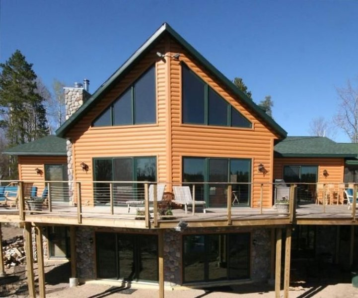 Lake Vermilion's Premier Year Round Private Rental, holiday rental in Cook