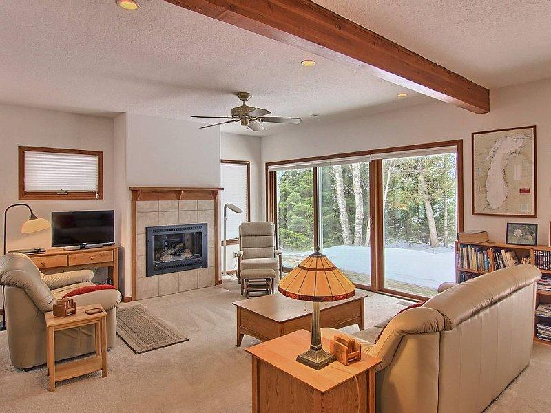 Private Home on Lake Michigan, location de vacances à Central Lake