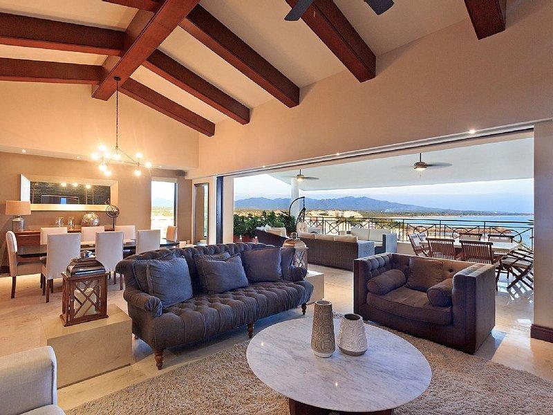 Incredible Ocean View! Daily Housekeeper/Cook & Golf Cart, Premier Club, location de vacances à Punta de Mita