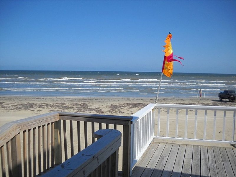 SPECIAL 3/19-22 $225 p/nt!! OCEAN FRONT!! Closest House to the Ocean!!, alquiler de vacaciones en Galveston