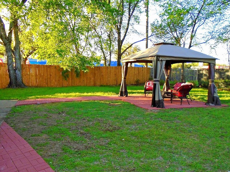 Spacious backyard. Great place to relax
