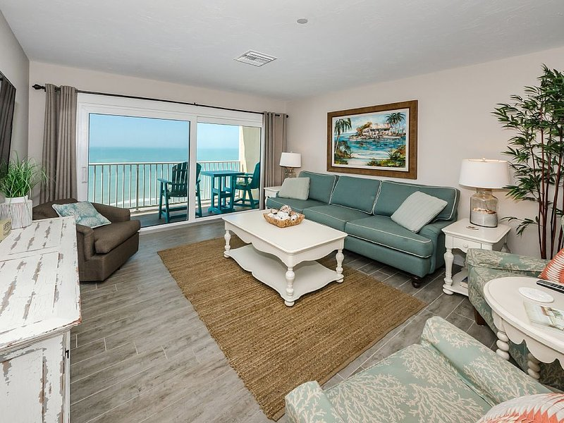 Stunning Ocean View, Top Floor, Completely Renovated Condo!, vacation rental in Indian Shores