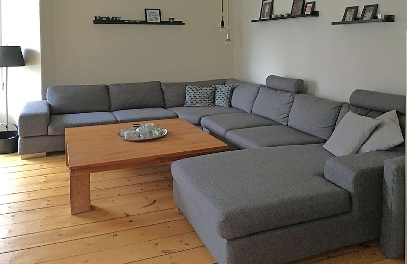 City Apartment in Copenhagen with 2 bedrooms sleeps 4, holiday rental in Gladsaxe Municipality