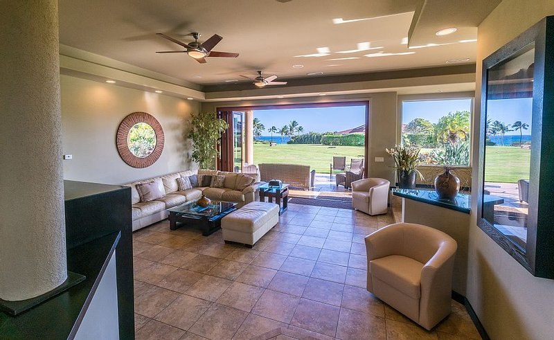 Stunning Ocean Views & Easy Walk to Beach~ Amazing Luxury Home at a Great Price!, holiday rental in Poipu