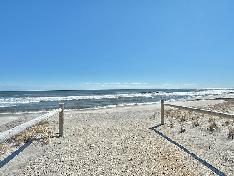 Ocean View_2017 Rates_ New House - 75 Ft. to Beach., alquiler de vacaciones en Harvey Cedars