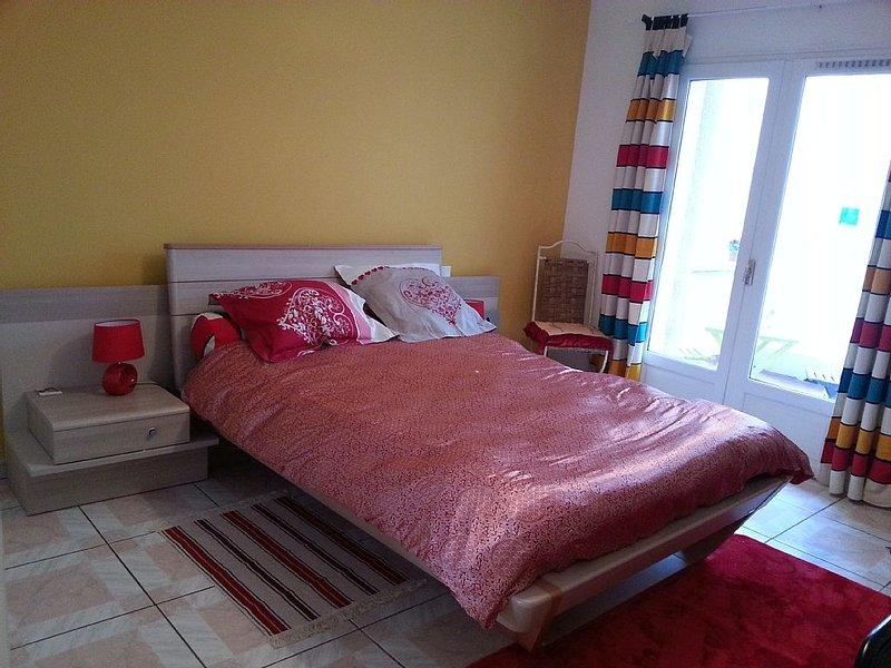 grande chambre a louer avec terrasse et garage, centre ville Perpignan, location de vacances à Perpignan