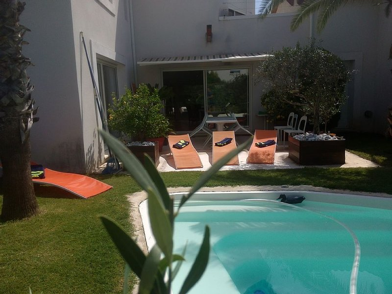 Villa spacieuse avec piscine privative sur golf  proche mer - WIFI, vacation rental in Baillargues