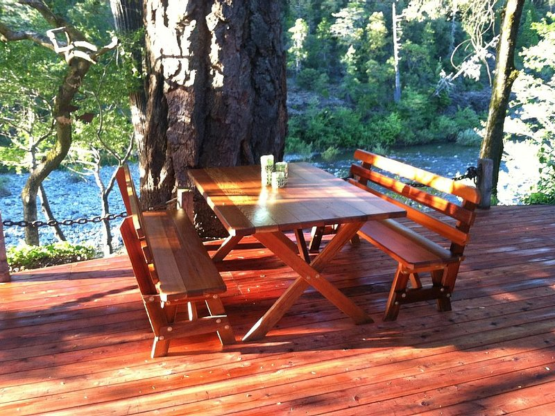 Riverfront |  Wild Smith River Home We're Open!, holiday rental in Hiouchi