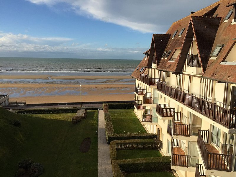 Duplex avec vue mer exceptionnelle !, holiday rental in Cabourg