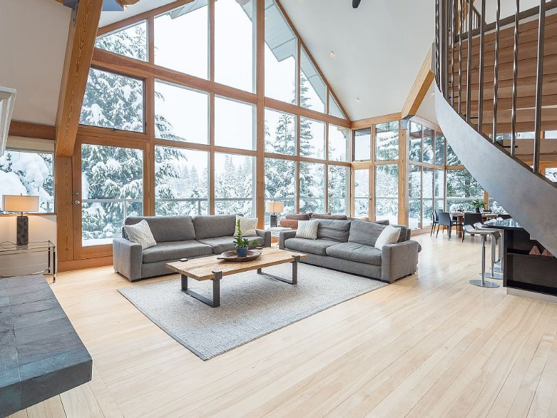 Nighthawk Lane - Spacious And Elegant Luxury In The Mountains!, vacation rental in Whistler