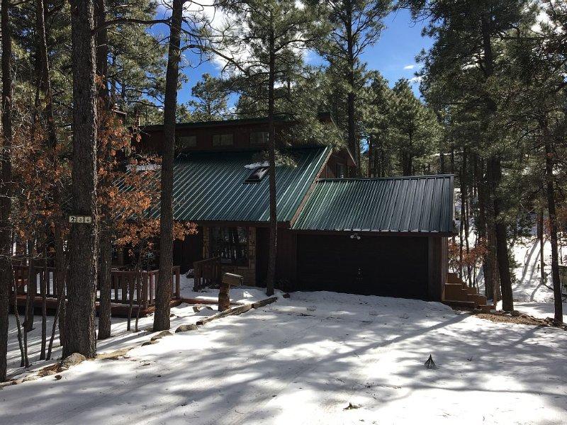 Texas House: Mountain Home in Ruidoso/Alto Lakes Golf & CC. New Heating & A/C, alquiler vacacional en Nogal