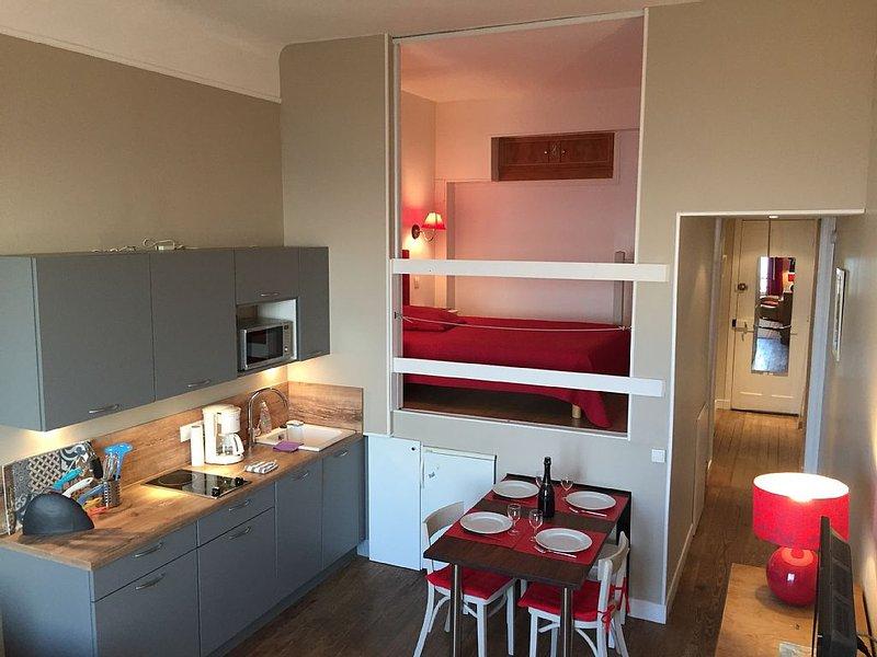 Charmant appartement face mer,accés direct plage,4 Pers, location de vacances à Deauville