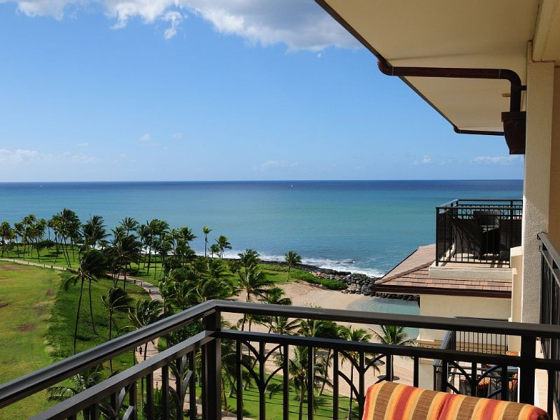 Fantastic! From $291/nt! 2-bdrm Luxury Poolside Beachside Penthouse Villa JJJ, vacation rental in Kapolei