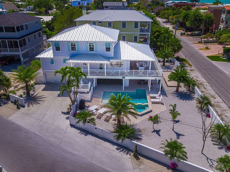 Dragonfly - Southern charm on the North end of Anna Maria Island, holiday rental in Anna Maria