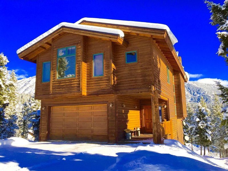 Gorgeous, upscale Big Sky home w/ Mtn Views & Privacy, holiday rental in Big Sky