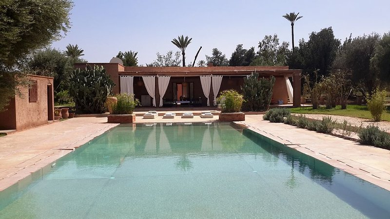 MAISON BELDI SANS VIS A VIS GRANDE PISCINE, vacation rental in Marrakech