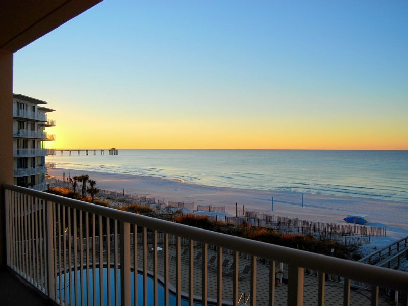 Paradise Found at Summer Place 406! Breathtaking Views; Updated Coastal Decor, vacation rental in Mary Esther