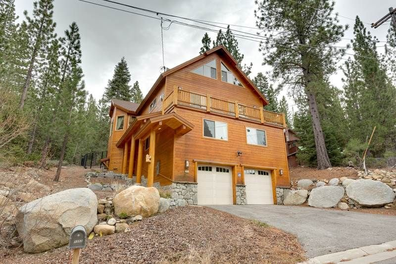 Front of the Lodgepole Pine Chalet, with an attached two car garage