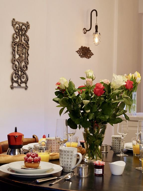 Enjoy cosy meals on our 18th century dining-room table (sitting up to 6)