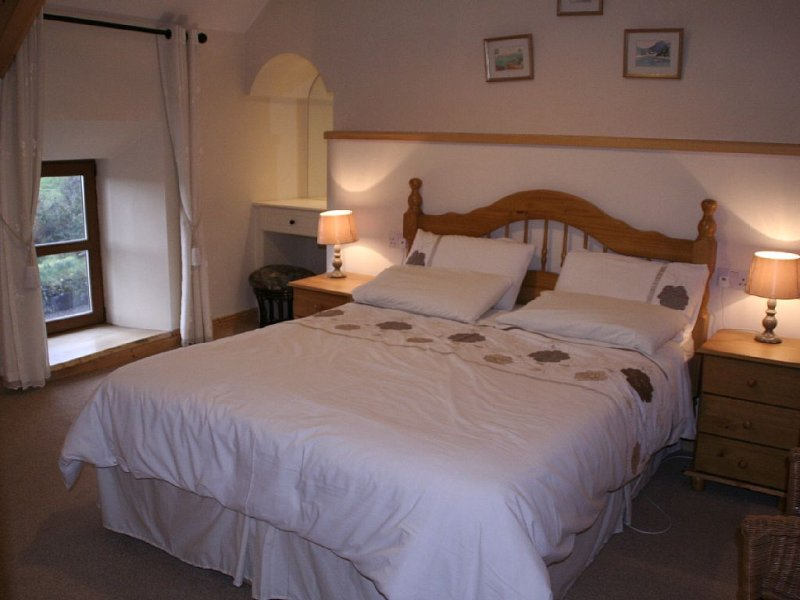 bedroom 2 with kingsize bed