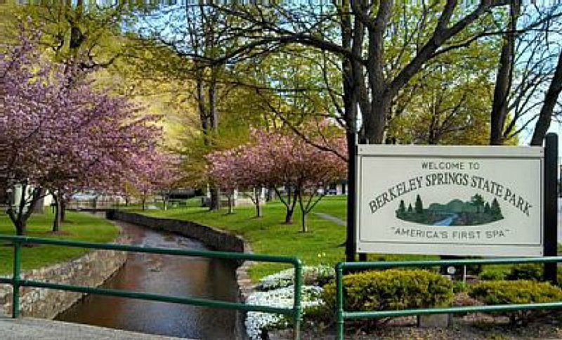 Berkeley Springs State Park located in town