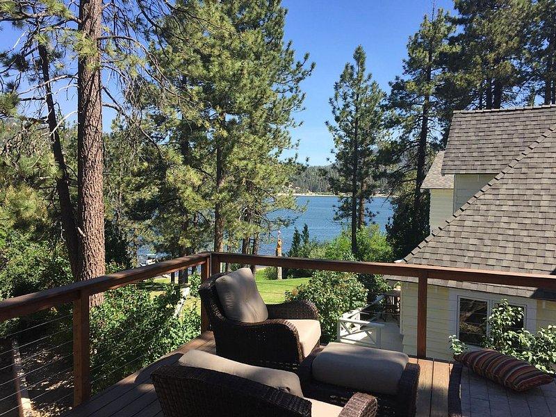 Beautiful Lake View Home, alquiler de vacaciones en Big Bear Region
