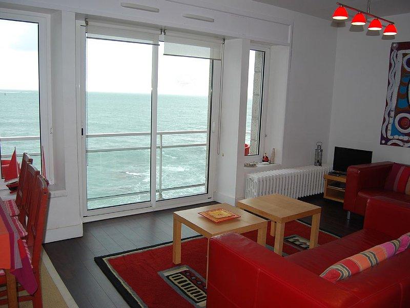 Appartement 3 clés dans maison 'pieds dans l'eau' site maritime except, vacation rental in Guilvinec